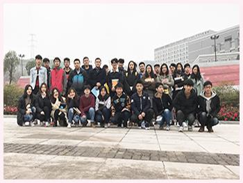 升入威尼斯人网址建筑工程职业技术学院的部分学生1.jpg